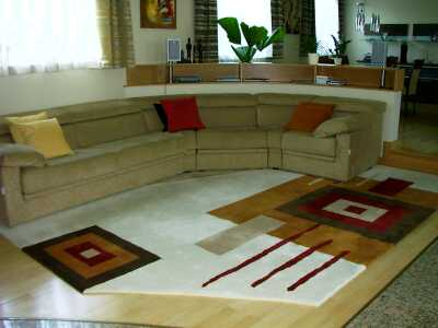 Kellemes nappali kényelmes bútorokkal